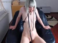 Teen girl masturbates in front of webcam