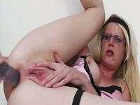 Slutty blonde webcam chick plays with her gigantic sex toy